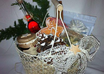 Geschenkkorb_Weihnachten_im_Drahtkorb