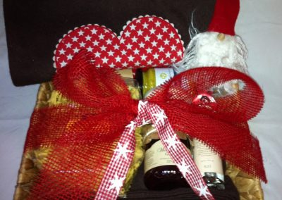 Geschenkkorb_Weihnachtlich_eingedeckt